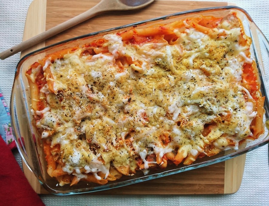 Cheesy Tomato & Vegetable Pasta Bake