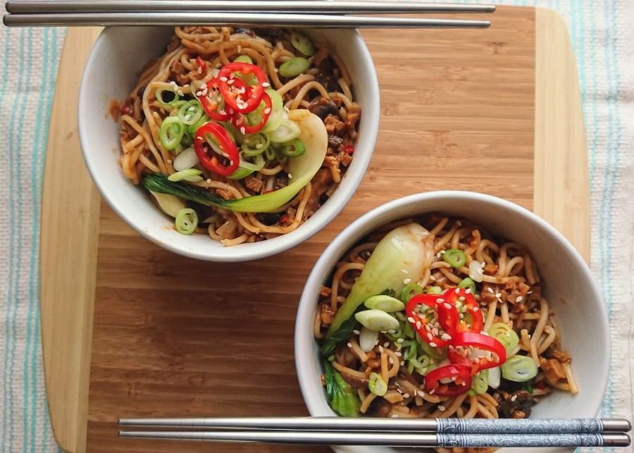 "Vegan Chilli ""Beef"" Noodles"