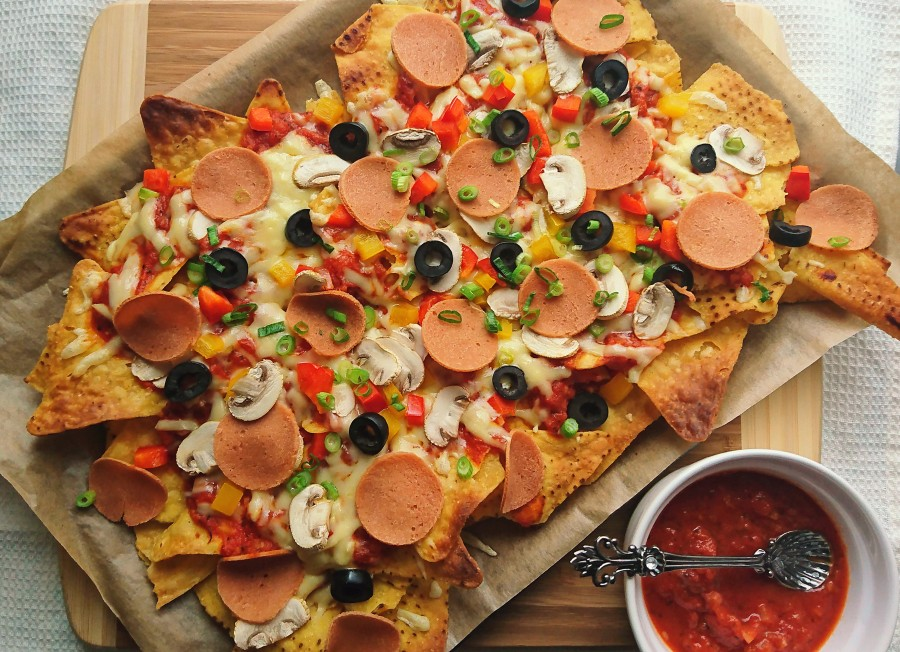 Pepperoni Pizza Nachos