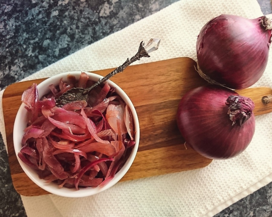 How I Make Caramelised Red Onions