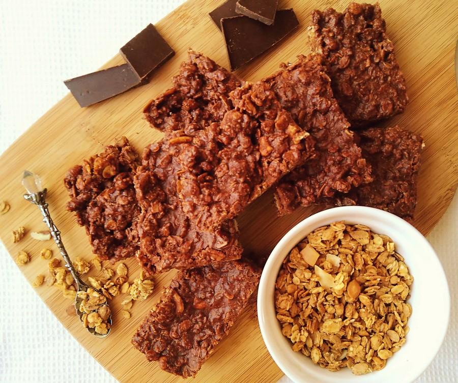 Chocolate & Marshmallow GranolaBars